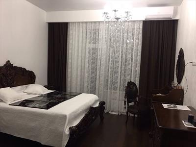 Квартира-шедевр с антикварной мебелью